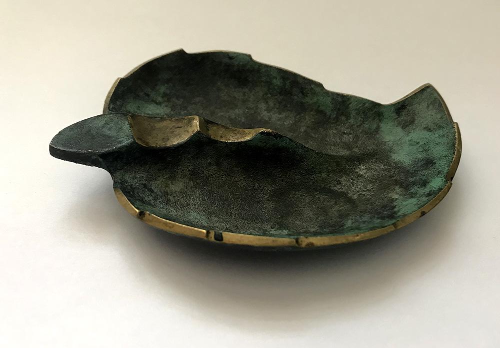 Пепельница в форме листка. Первая половина XX века