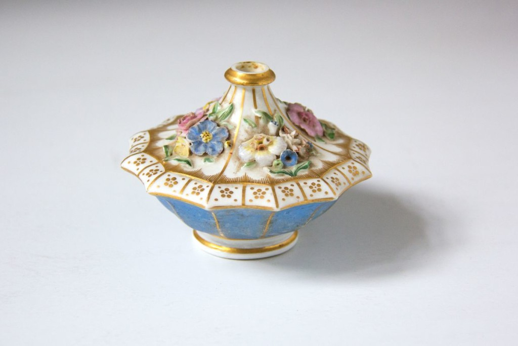 Флакон декоративный, для духов. [Принадлежал Е.С. Булгаковой]. 1830–1855 гг.