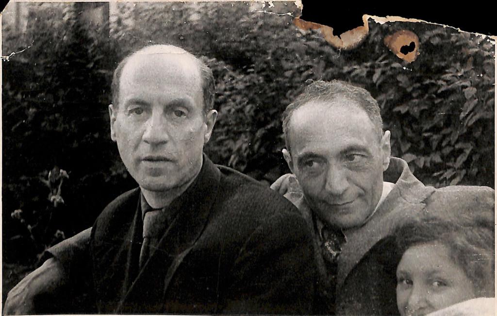 Фотография. Лунин (Шихман) Борис Семенович, Стонов Дмитрий Миронович, Шульман Татьяна Семеновна. 1954‒1960 гг.