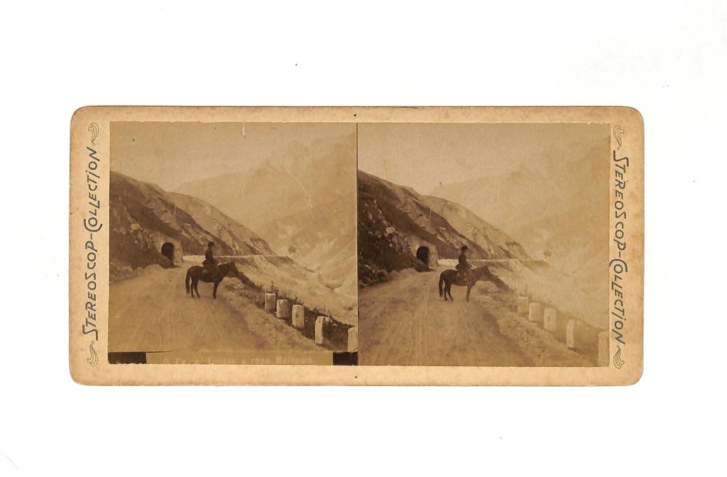 Фотография. Всадник на фоне тоннеля и горы Майорша по Военно-Грузинской дороге. Конец XIX века.